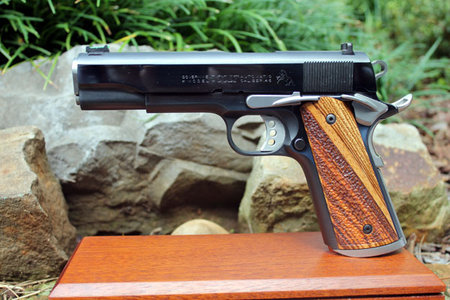 Zebrano, half-stipple (dyed brown), magwell, extended controls. Thanks, Paul D.!\\n\\n1/19/2016 11:53 AM