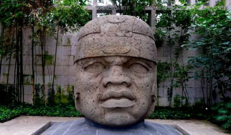 Gigantic_Olmec_Heads_in_Central_Mexico